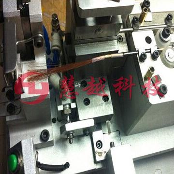 多股线自动穿套管机性能介绍